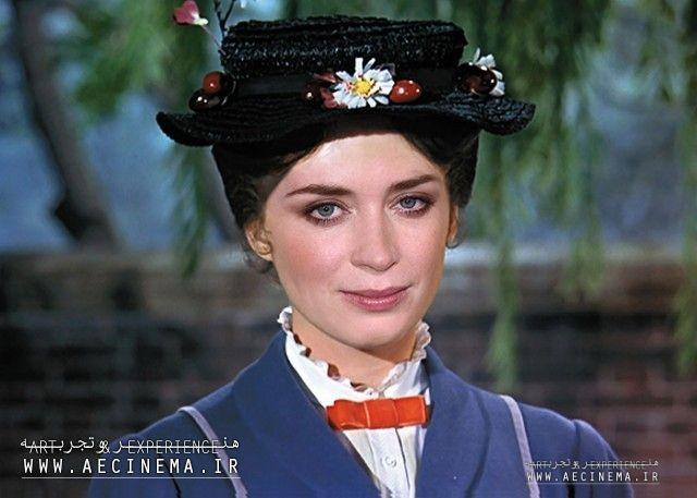 Emily Blunt in Talks to Play Mary Poppins in Disney Sequel