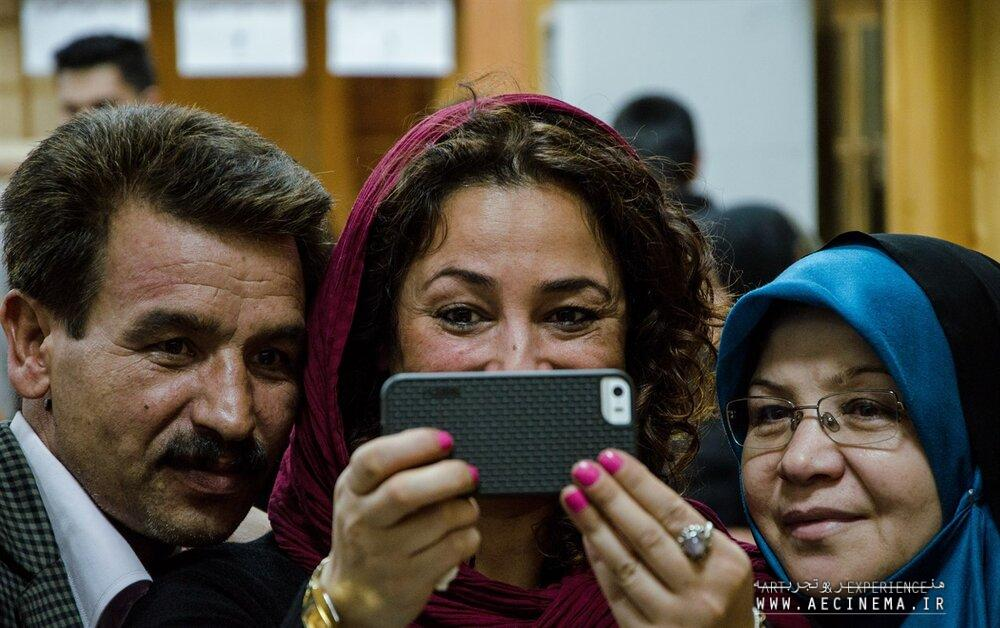 """Iran's """"Finding Farideh"""" among docs submitted for Oscars"""